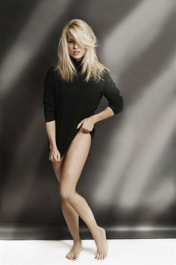 Eva Perkausova Feet