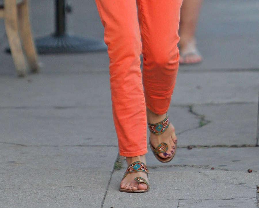 Kristin Kreuk Feet