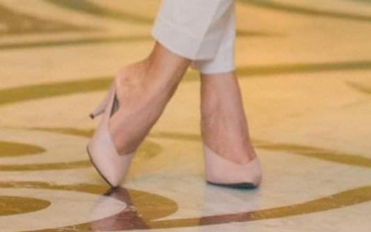 Yureni Noshika Feet