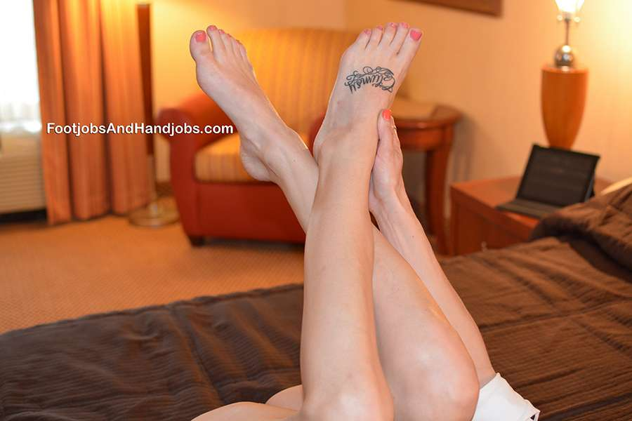 Autumn Bodell Feet