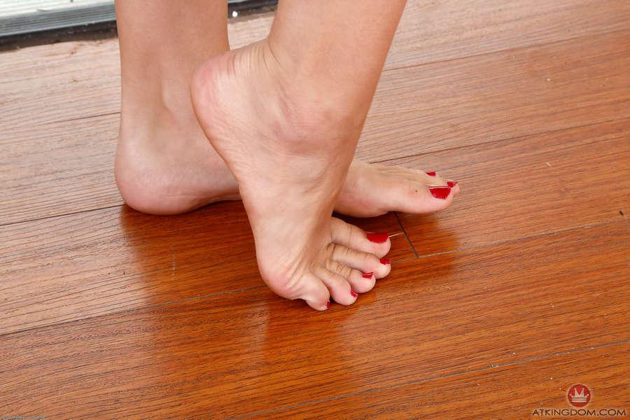 Alexa Grace Feet