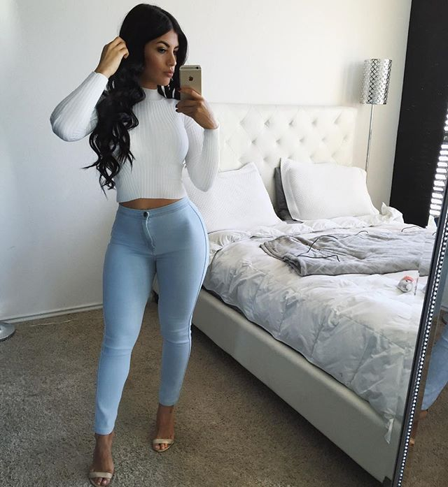 Karen Vi Feet