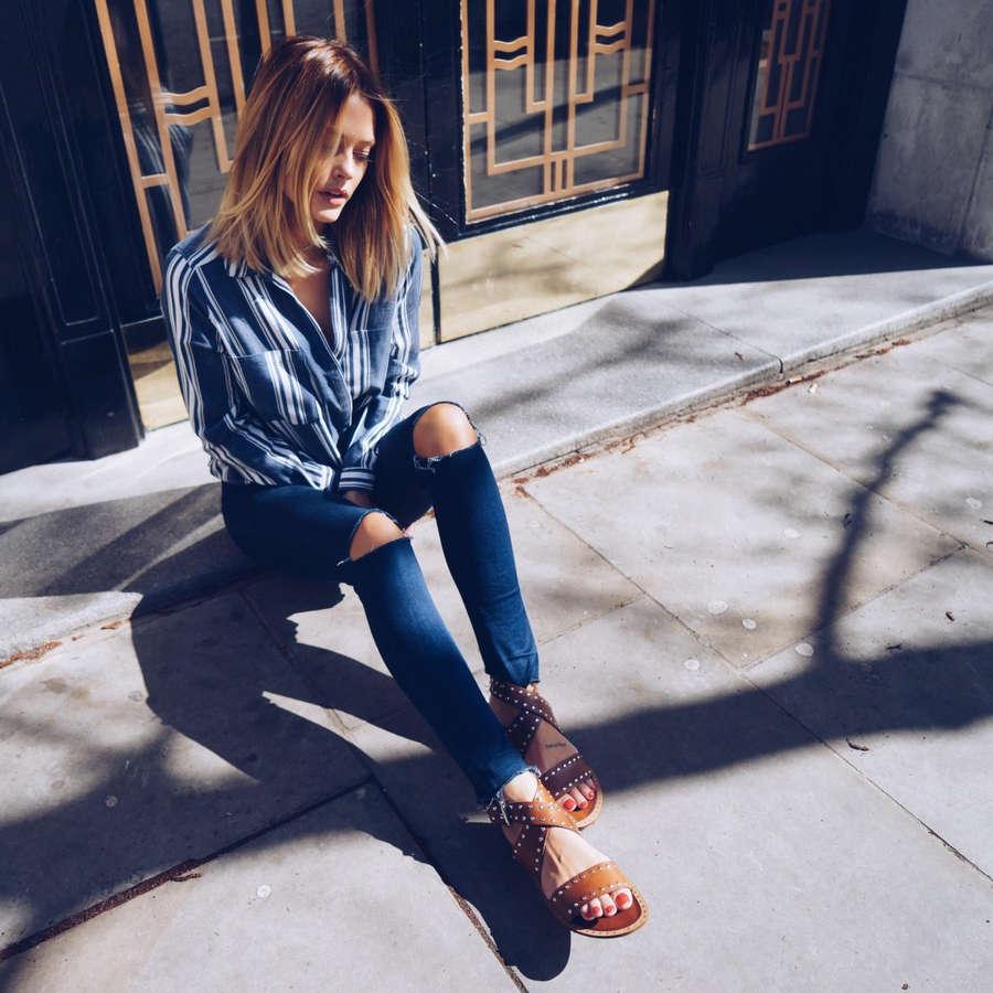 Caroline Receveur Feet