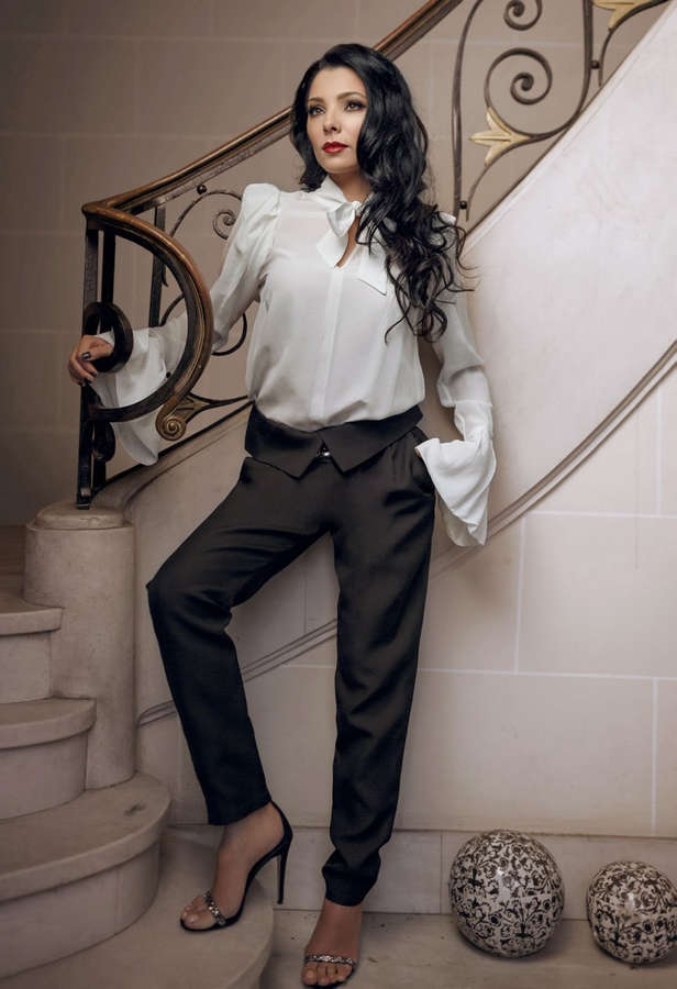 Corina Caragea Feet
