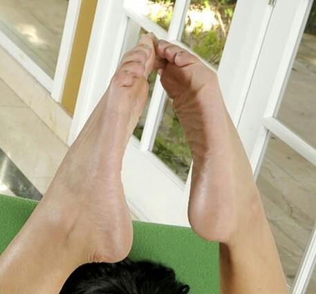 Catalina Rose Feet