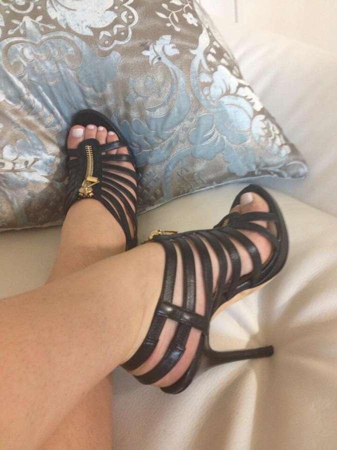 Bella Reese Feet