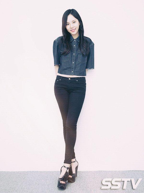 Yul Eum Lee Feet