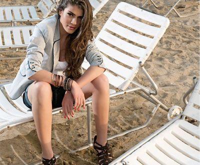 Ivi Adamou Feet