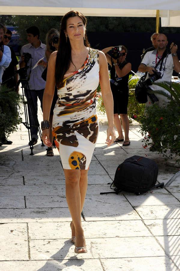 Manuela Arcuri Feet
