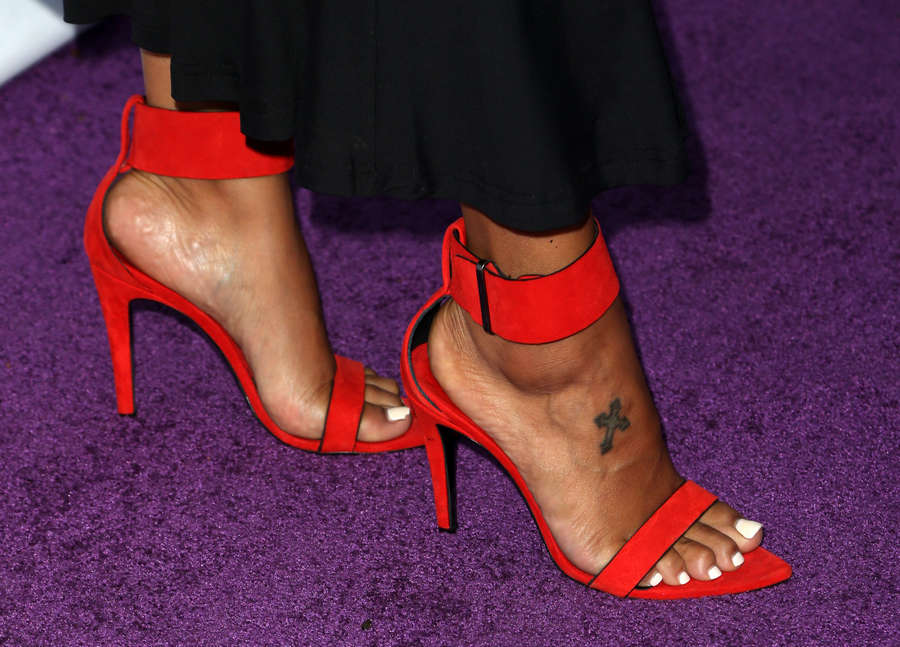 Gloria Govan Feet