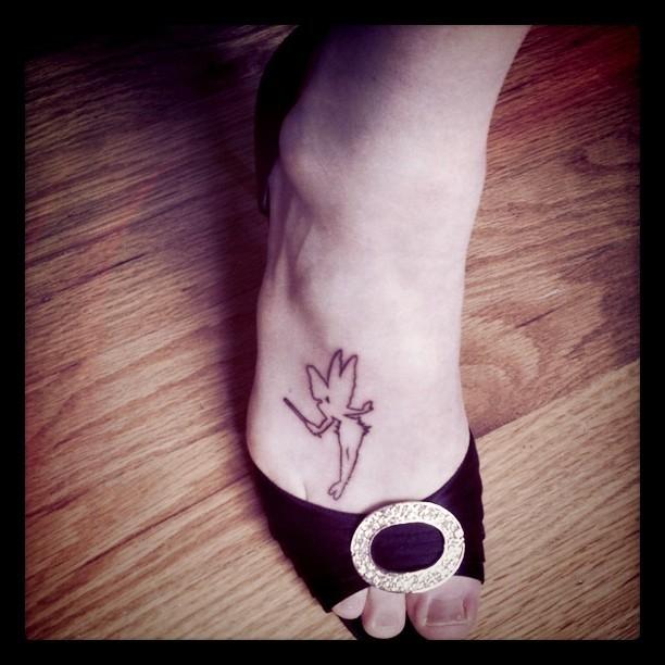 Alexi Melvin Feet
