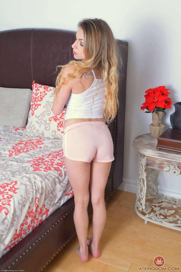 Alana Summers Feet