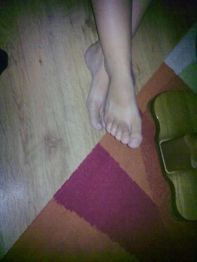 Shannyn Sossamon Feet