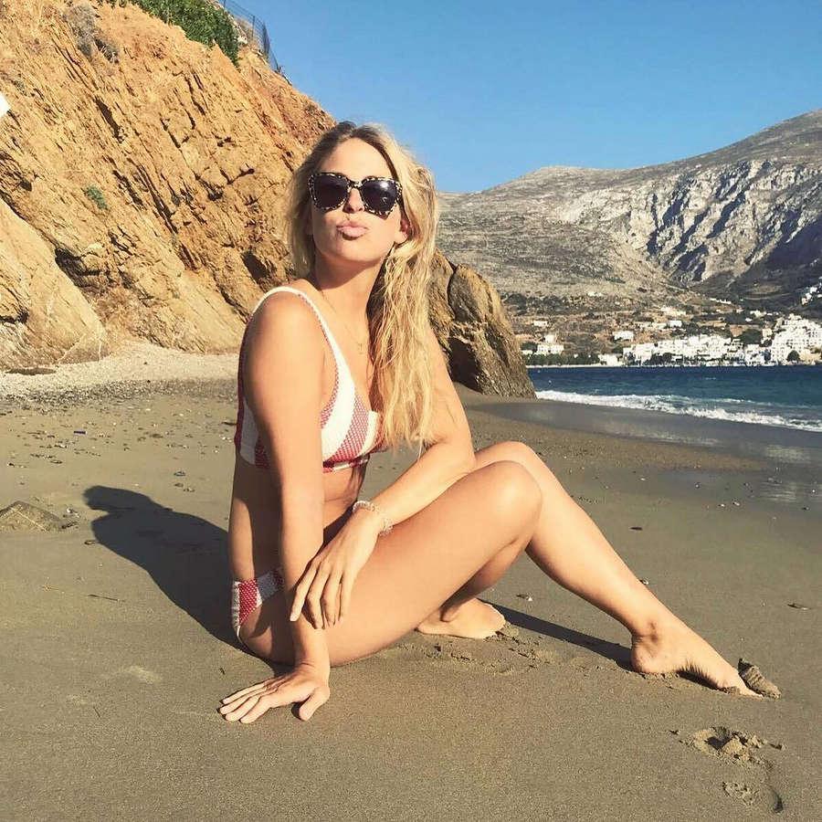 Sarah Chronis Feet