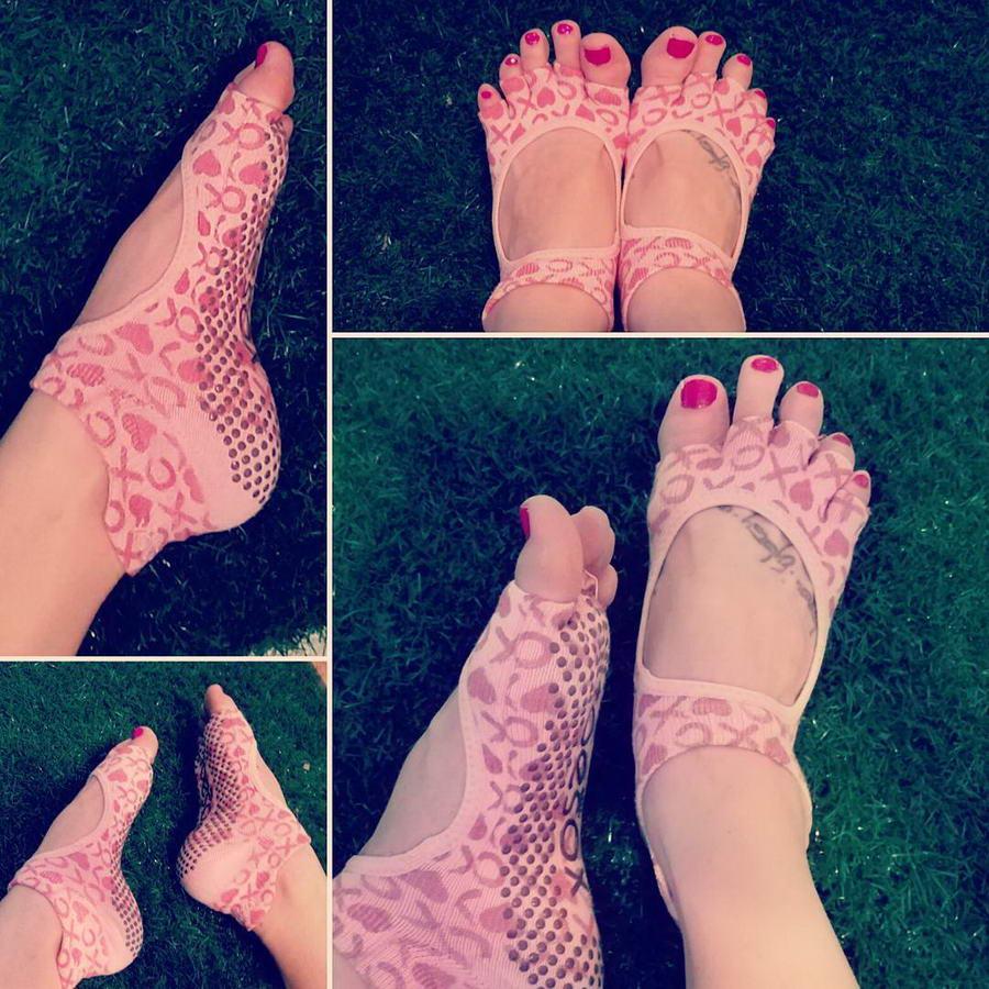 Alikona Bradford Feet