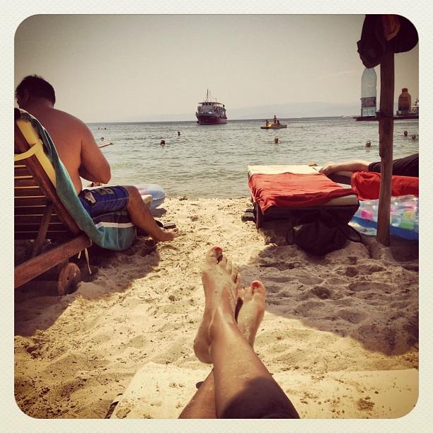 Laura Naries Feet