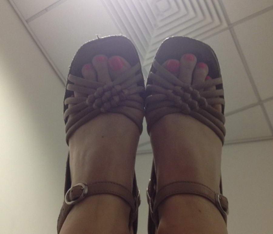 Louise Scodie Feet