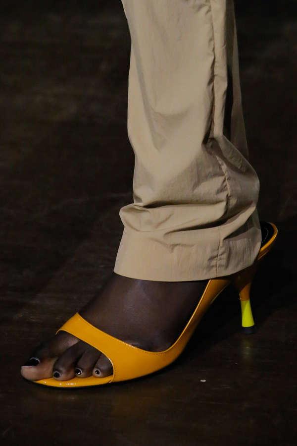 Nya Gatbel Feet