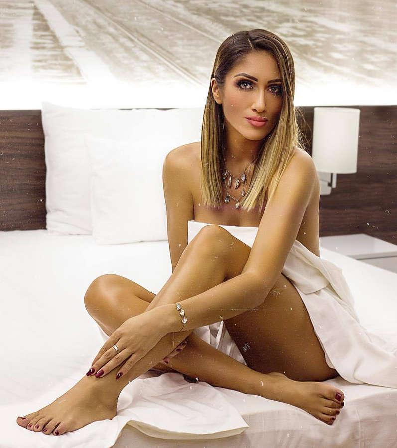 Hana Hadziavdagic Tabakovic Feet