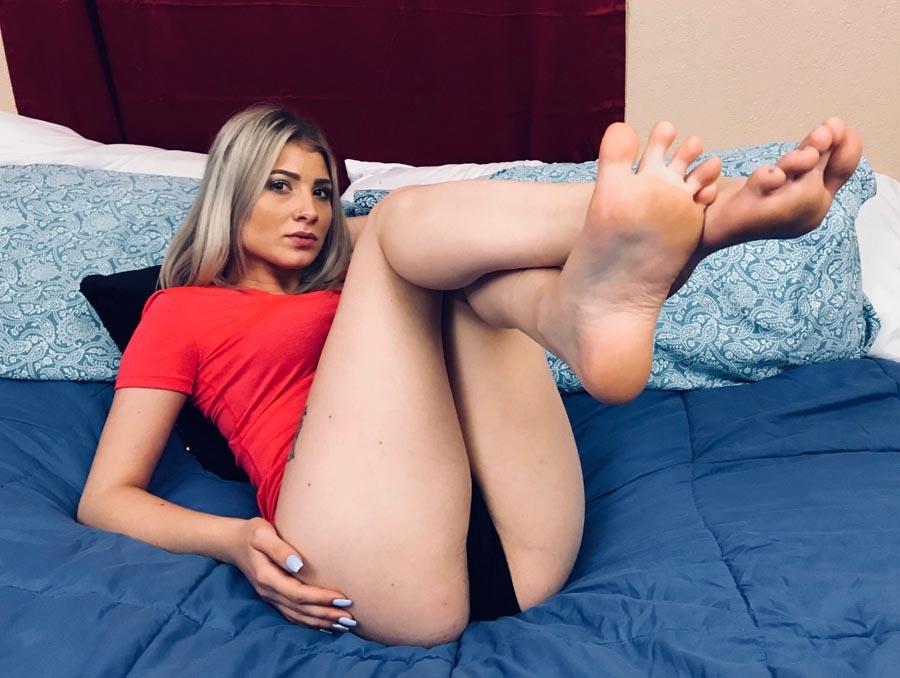 Maia Evon Feet