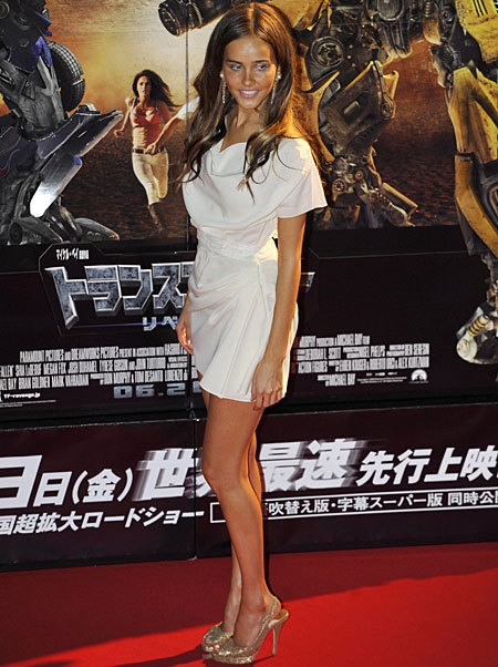 Isabel Lucas Feet