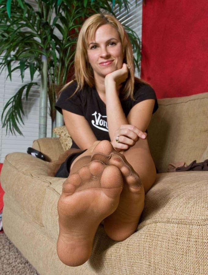 Britney Sweetstink Feet