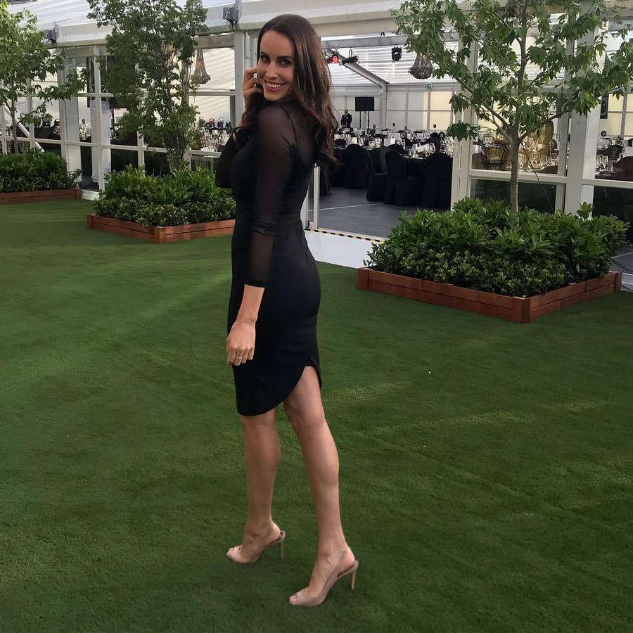 Lauren Vickers Feet