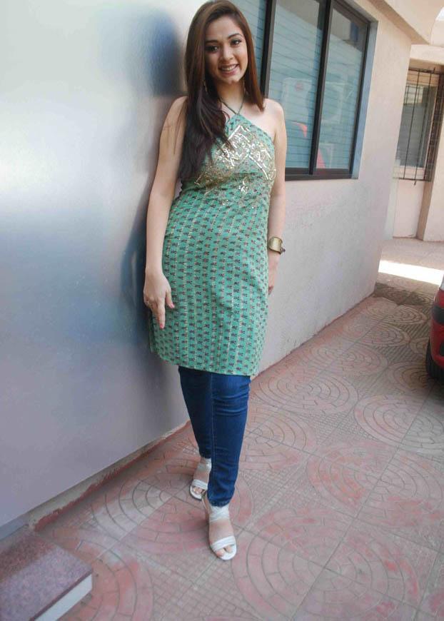 Nargis Bagheri Feet