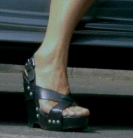 Alex Polizzi Feet