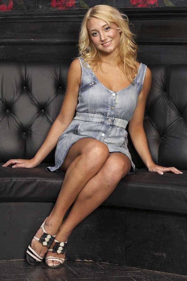 Melissa Walton Feet