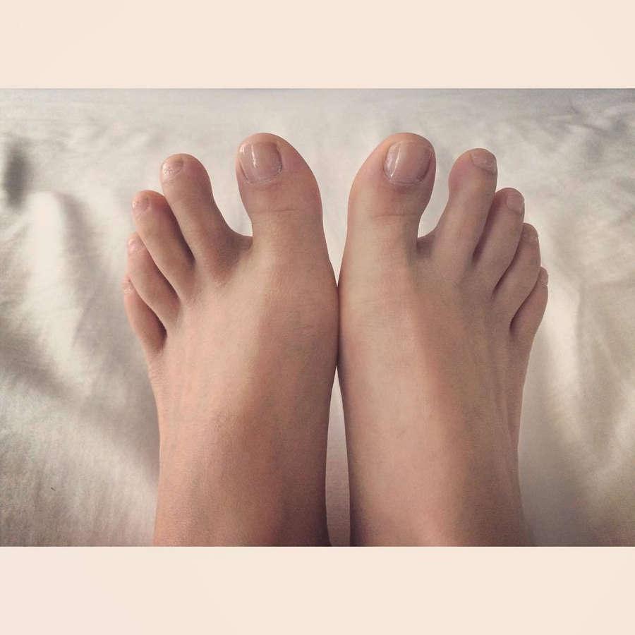 Rebecca Tun Feet