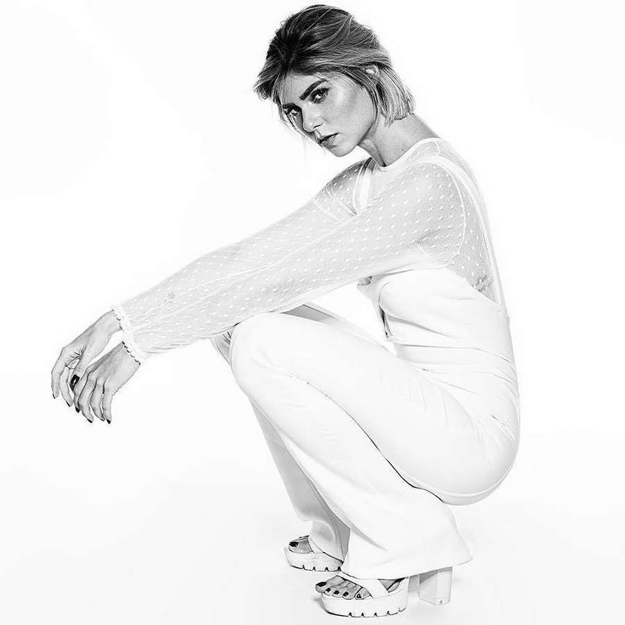Juliane Trevisol Feet