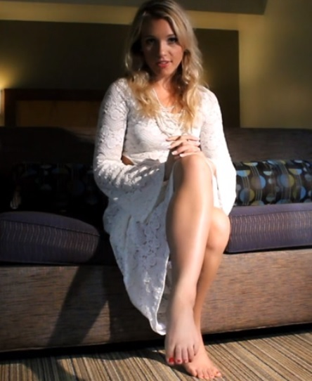 Tara Shea Howisey Feet