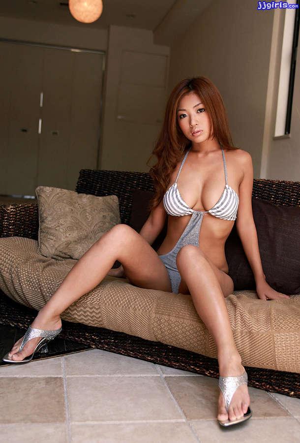 Kana Tsugihara Feet