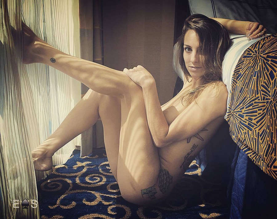 Samantha Nixon Feet