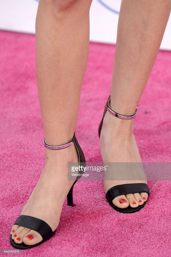 Sheila Vand Feet
