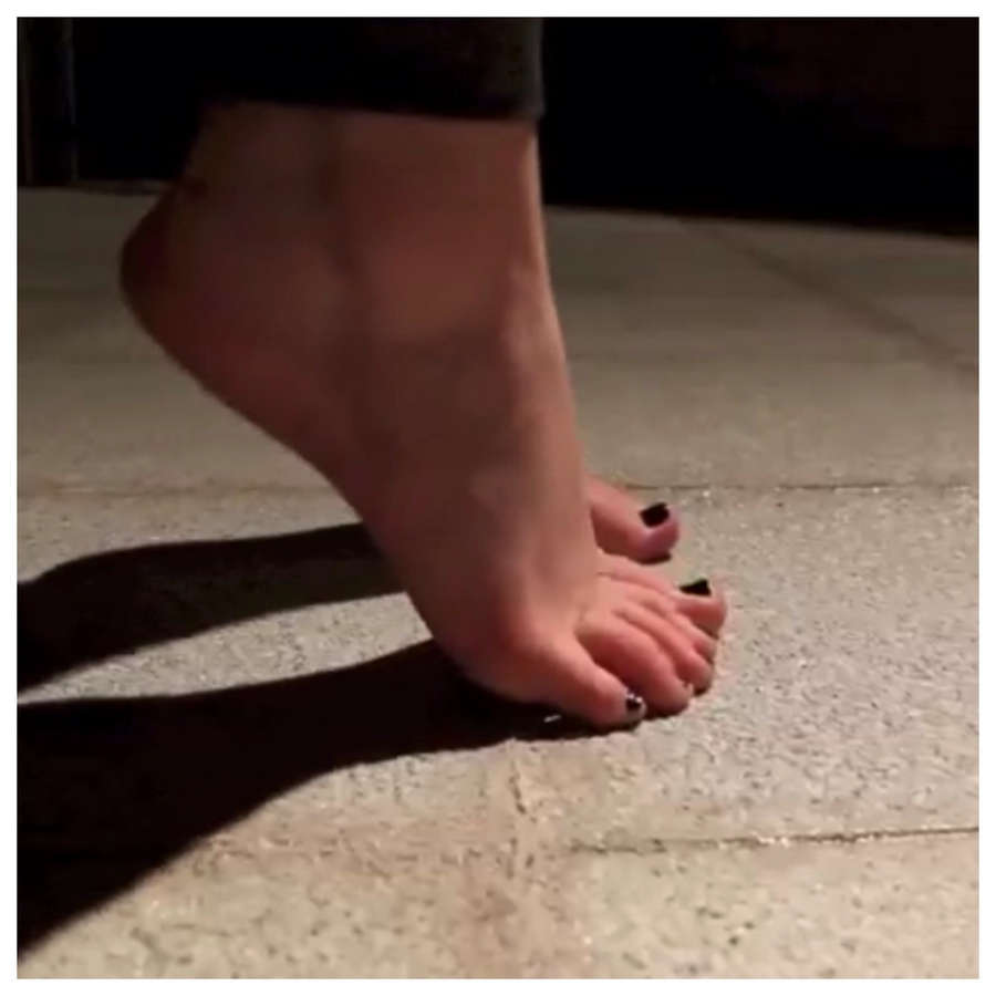 Meghan McCarthy Feet