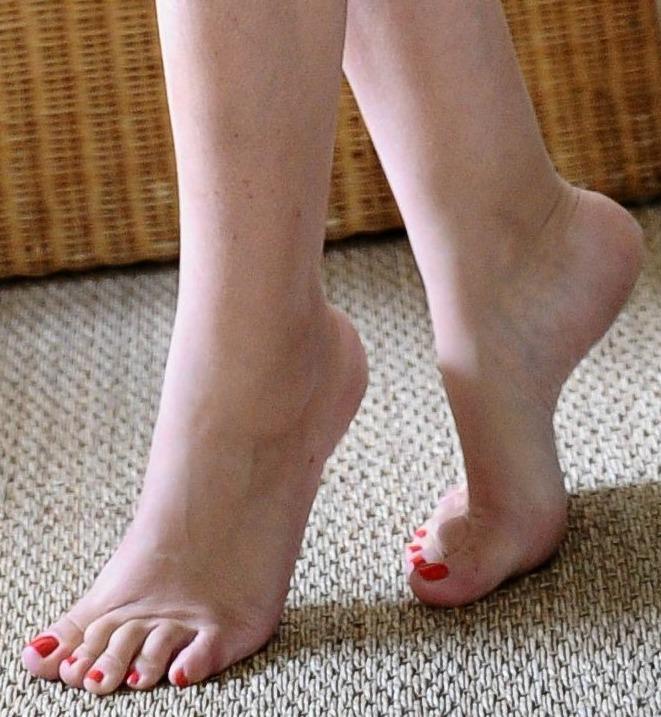 Elsa Fayer Feet