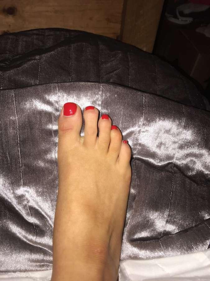 Roxxy Lea Feet