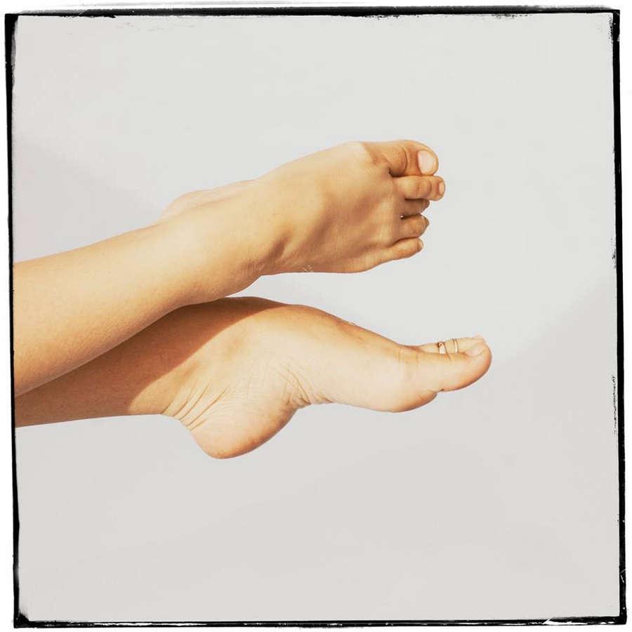 Simona Feet