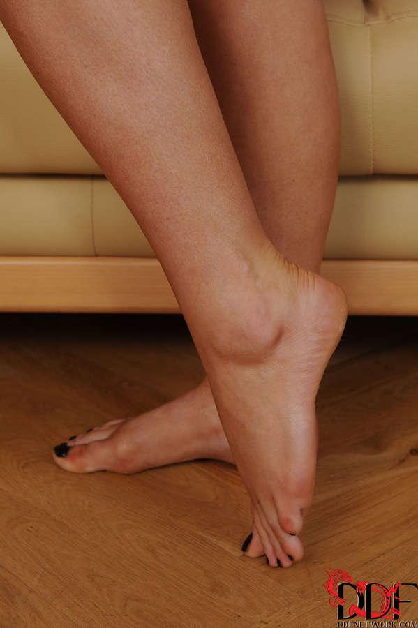 Jaye Rose Feet