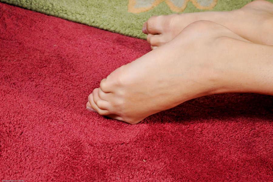 Zoey Kush Feet