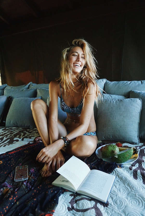 Jessica Serfaty Feet