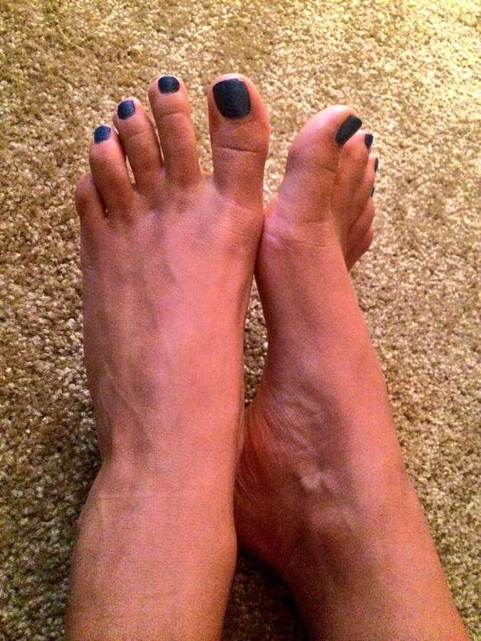 Skylar Rene Feet