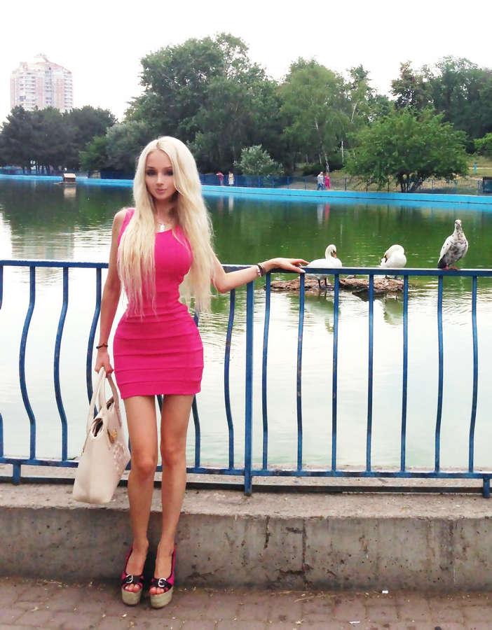 Valeria Lukyanova Feet
