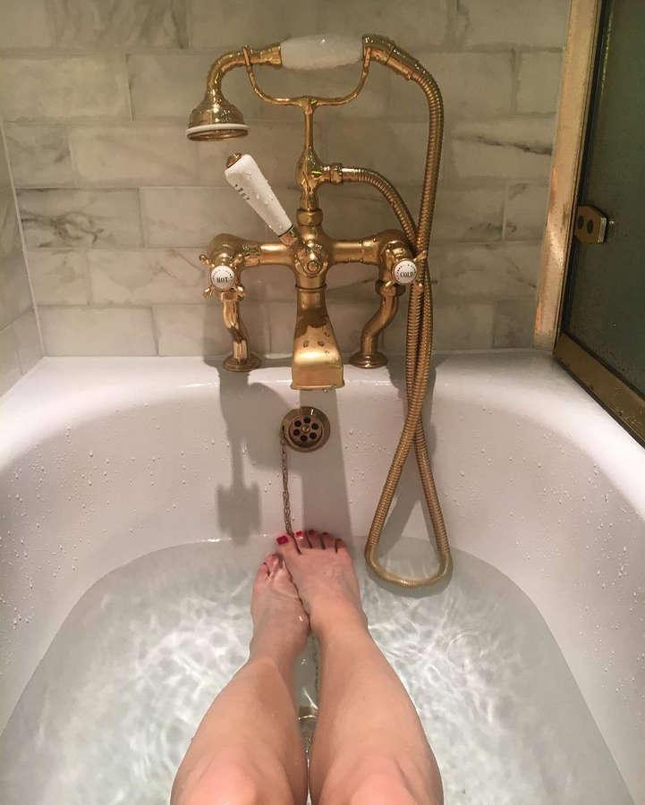 Emily Vere Nicoll Feet