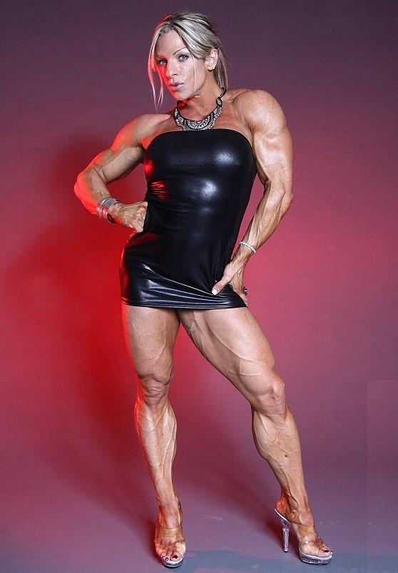 Мускулистые спортивные госпожа вам