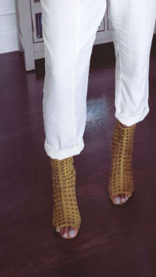 TaRhonda Jones Feet