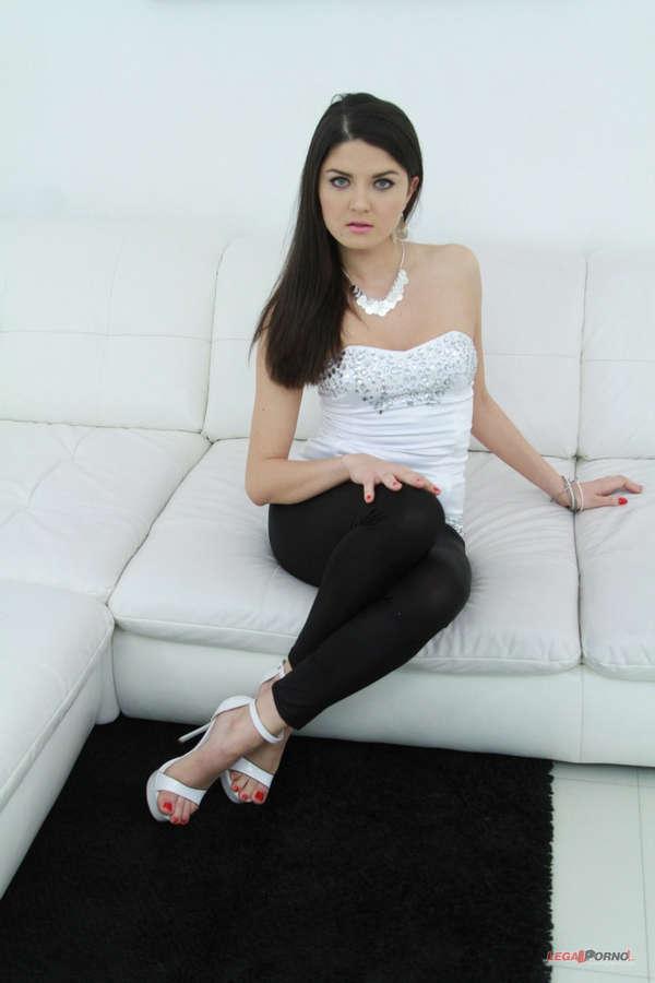 Francesca Di Caprio Feet