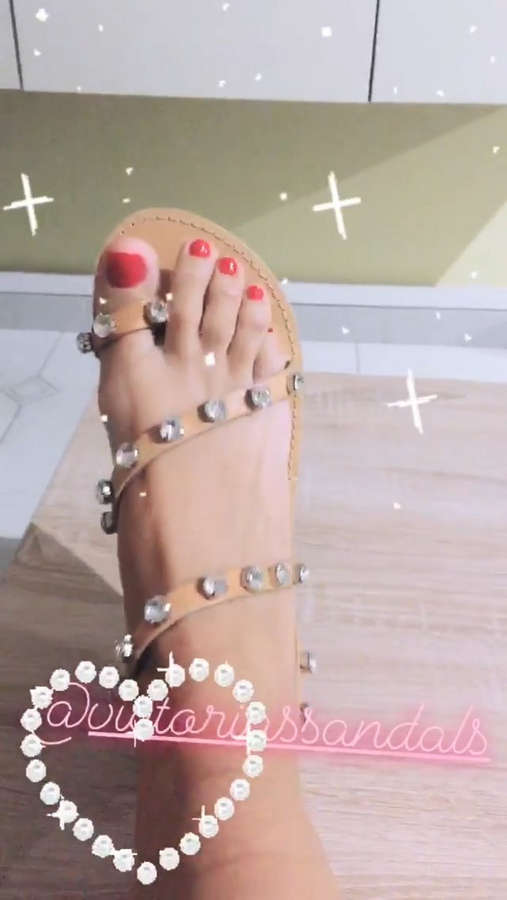 Claudia Letizia Feet